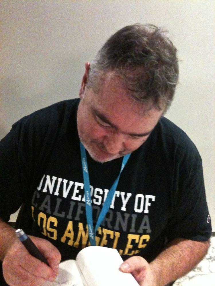 Utopiales 2013 - dédicace Ian McDonald