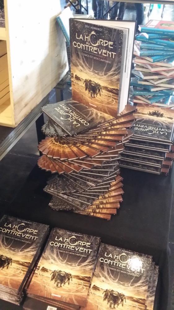 """L'adaptation BD de """"La Horde du Contrevent"""" était à l'honneur avec une expo dédiée. Et des exemplaires par milliers !"""