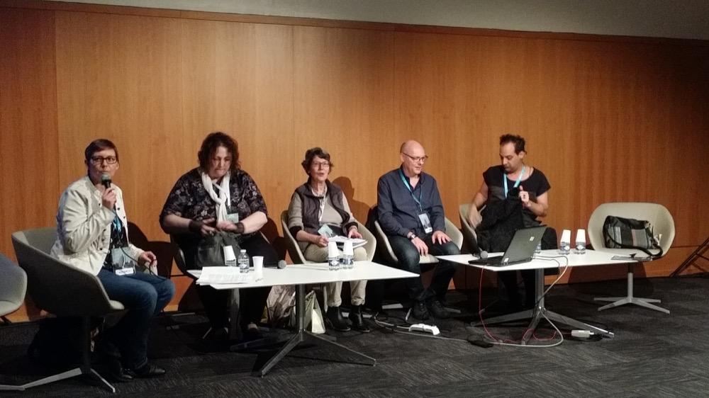 Karine Gobled au micro, puis Sylvie Miller, Claire Belmas, Laurent Genefort, David Calvo